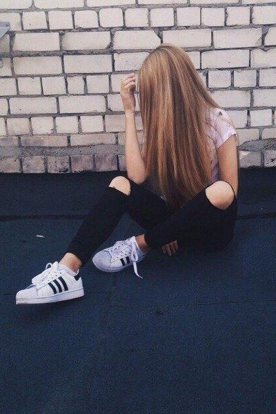 Фото на аву девушка с русыми волосами без лица001