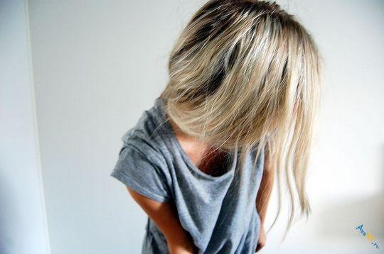 Фото на аву девушка с русыми волосами без лица005