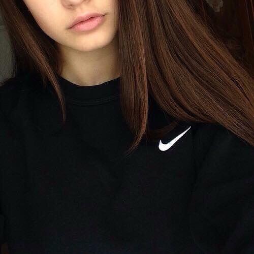 Фото на аву девушка с русыми волосами без лица010