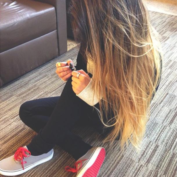 Фото на аву девушка с русыми волосами без лица018