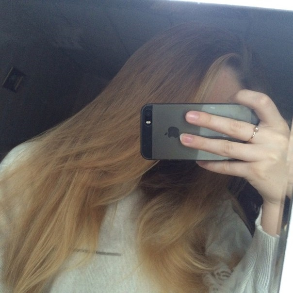 Фото на аву девушка с русыми волосами без лица020