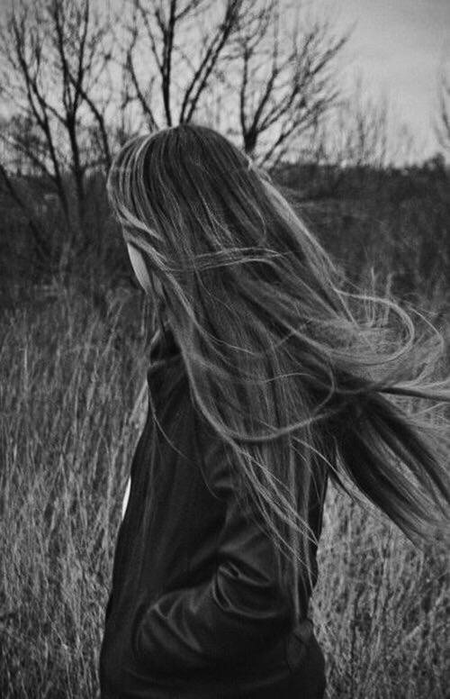 Фото на аву девушка с русыми волосами без лица022