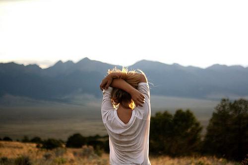 Фото на аву для девушек со спины новые осень - подборка (12)