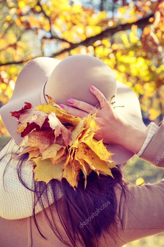 Фото на аву для девушек со спины новые осень - подборка (17)