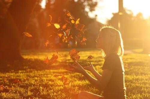 Фото на аву для девушек со спины новые осень - подборка (7)