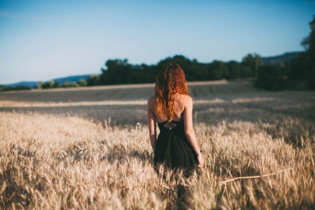Фото на аву для девушек со спины новые осень - подборка (8)