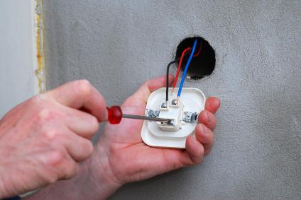 Как отремонтировать розетку пошаговая инструкция (1)