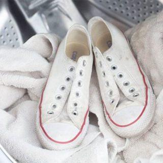Как правильно помыть белые кеды из ткани