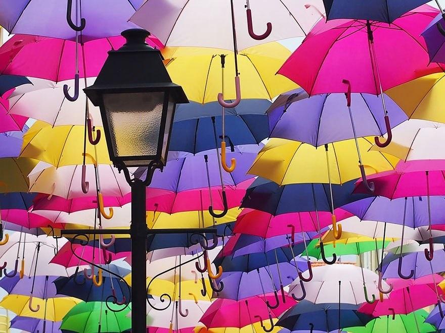 Картинки на День разноцветных зонтов001