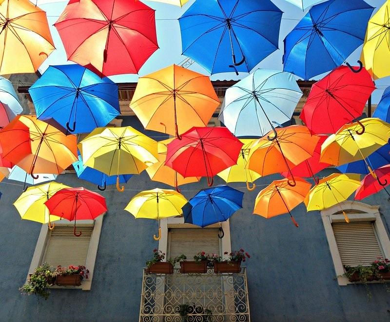 Картинки на День разноцветных зонтов009