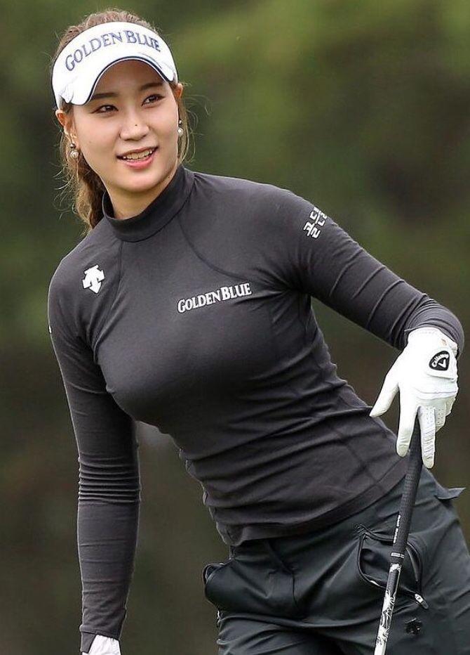 Красивая женская одежда для гольфа фото001