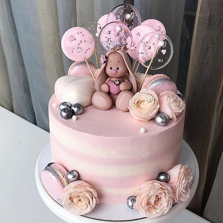 Красивый тортик с зайкой ми001
