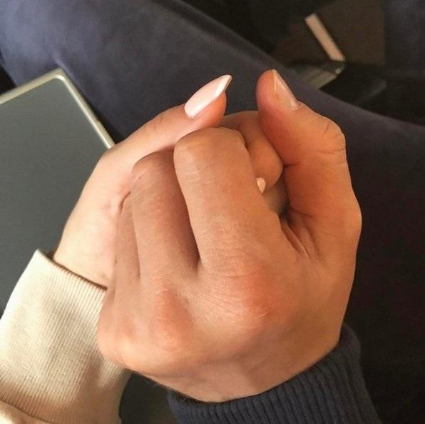 Милые картинки рук пар017