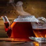 Почему горячий чай остывает быстрее если на него дуют?