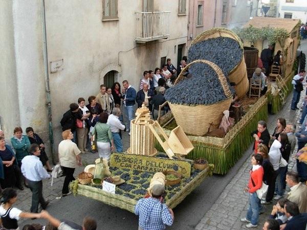 Фестиваль винограда в Марино001