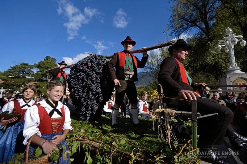 Фестиваль винограда в Марино011