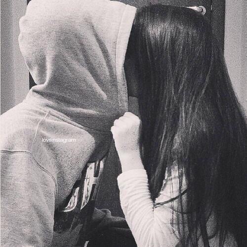 Фото на аву девушка с парнем без лиц006