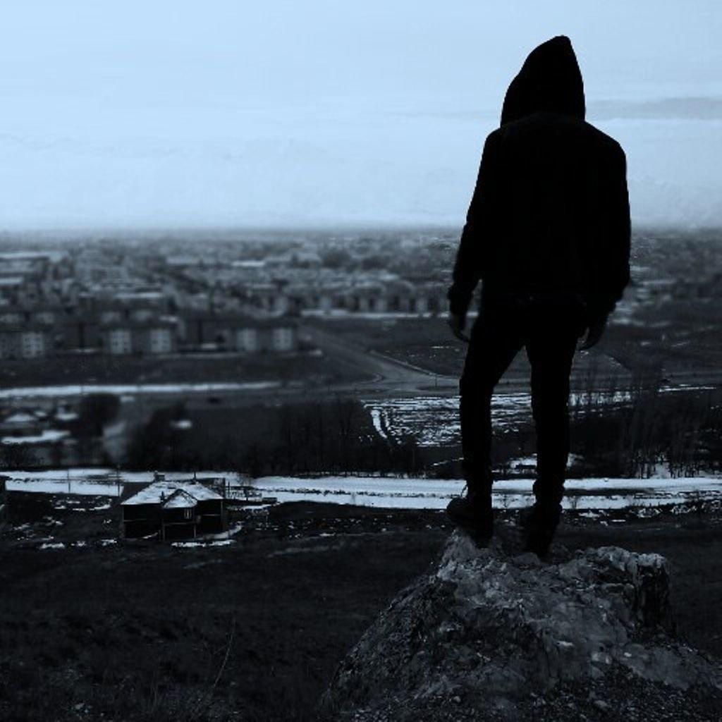 Фото на аву девушка с парнем без лиц008