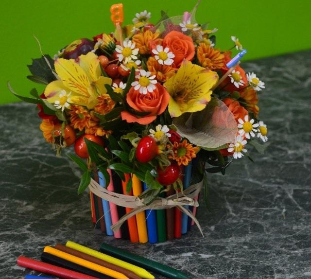 Праздником святой, школьная картинка с цветами