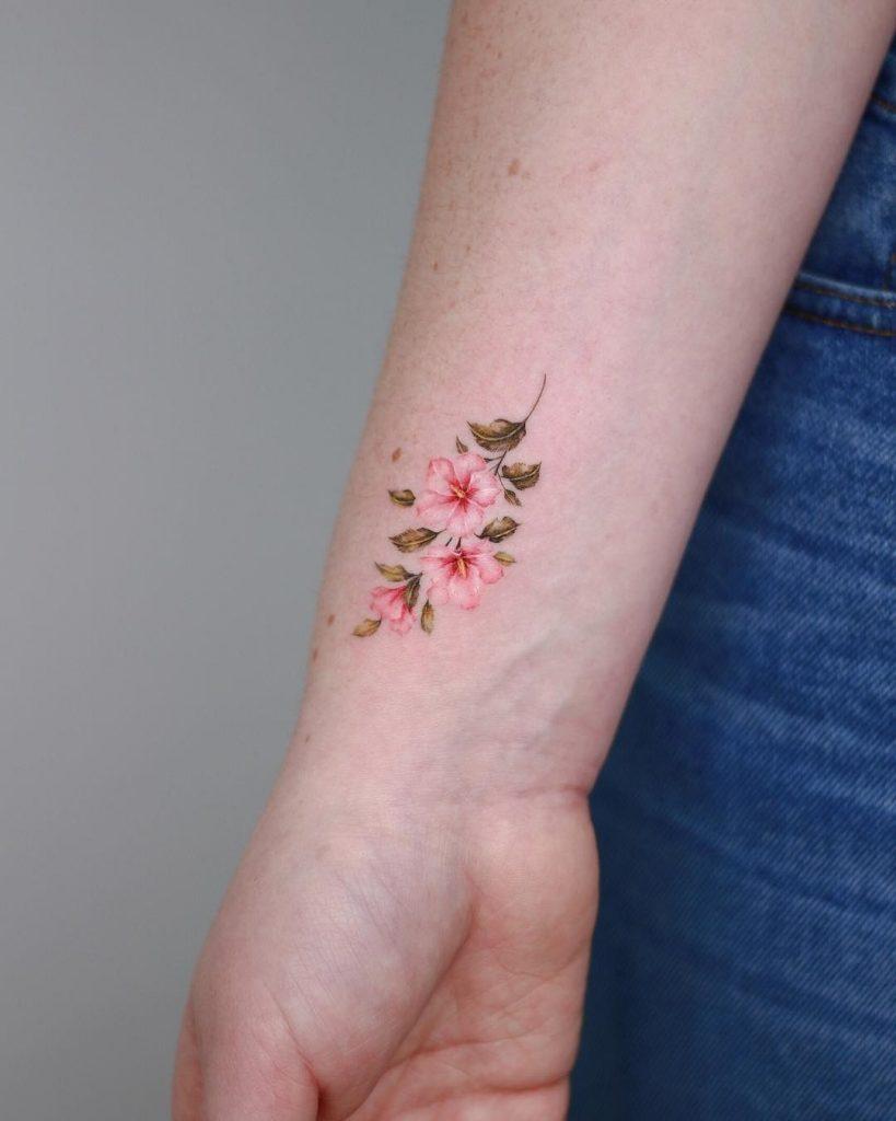 Эскиз тату маленькие цветочки011