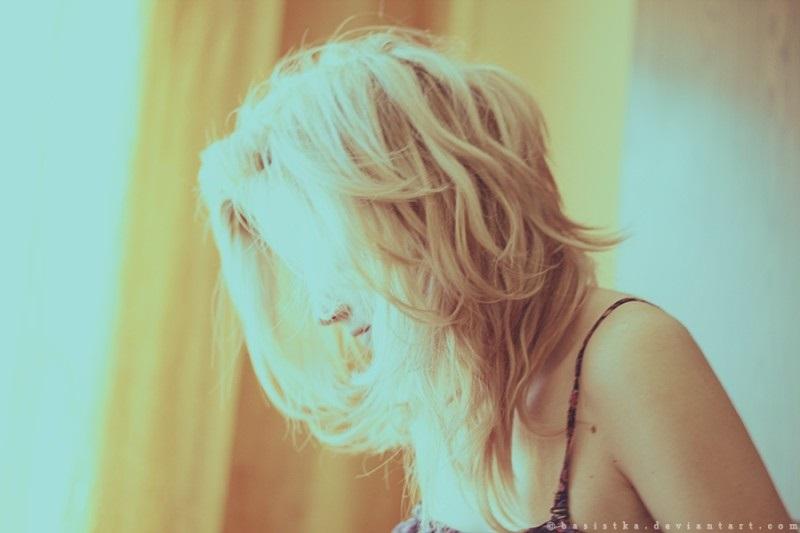 Картинки девушек со спины блондинки с короткими