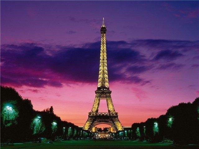 Красивые рисунки Эйфелевой башни для срисовки011