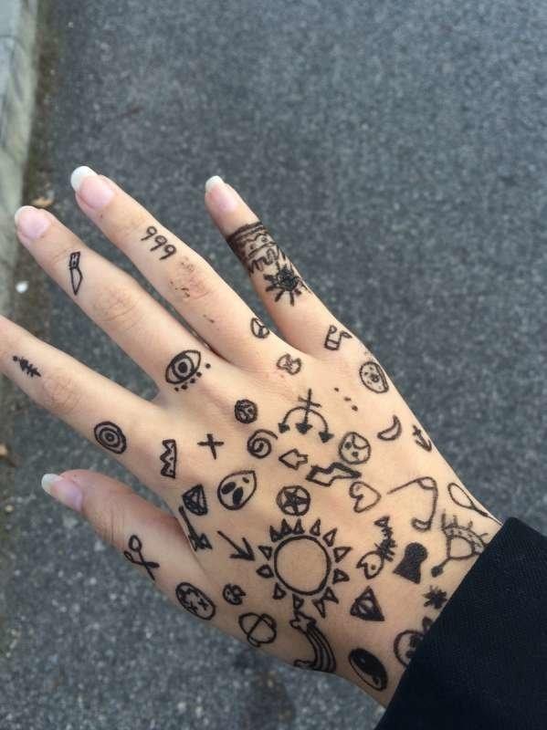 Красивые рисунки на руке для срисовки004