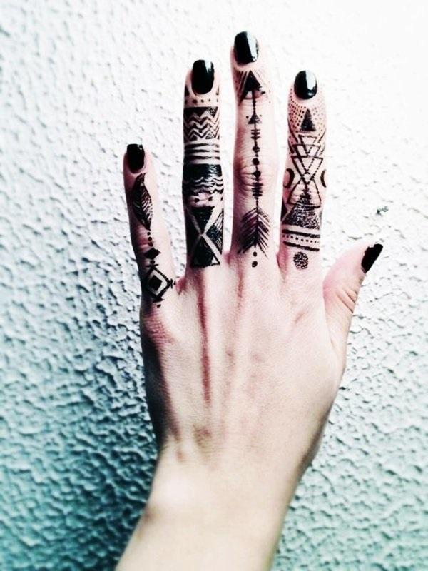Красивые рисунки на руке для срисовки008