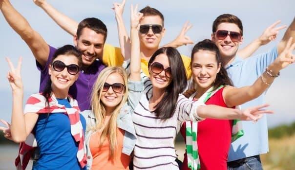 Поздравления в картинках на Всемирный день молодежи (15)