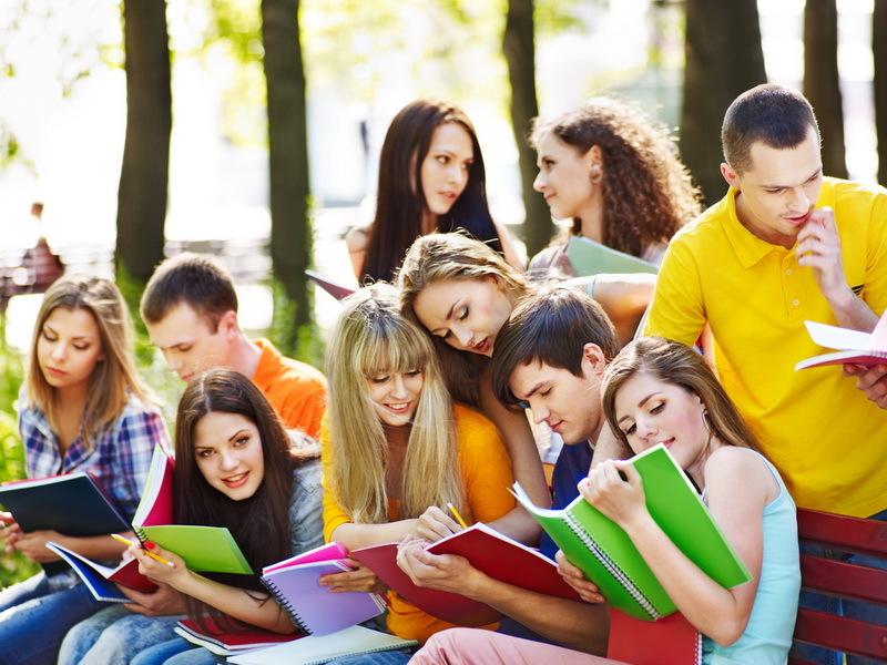 Поздравления в картинках на Всемирный день молодежи (18)