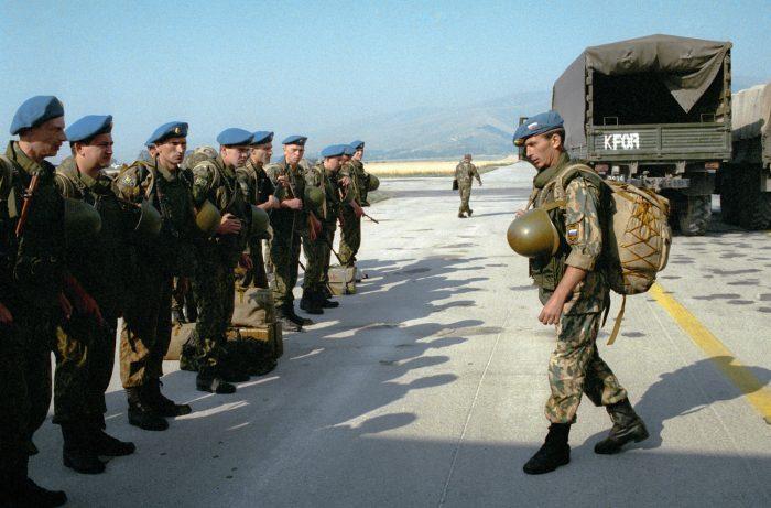 С днем российского военного миротворца картинки и открытки (8)