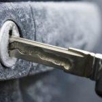 Как открыть замерзший замок автомобиля — советы бывалых водителей