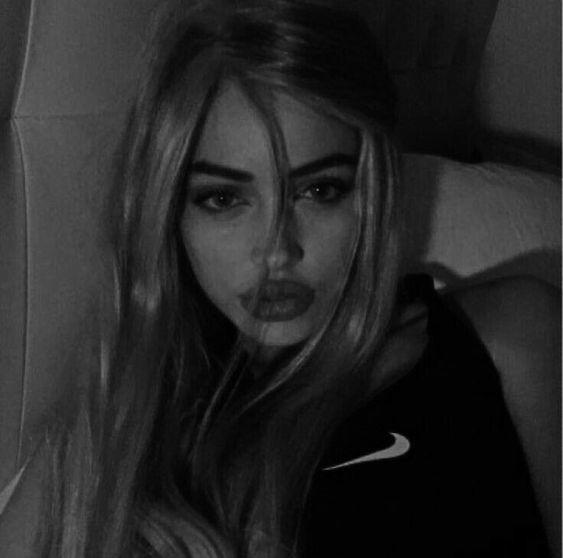 Красивые девушки на аву для социальных сетей - сборка фото (22)