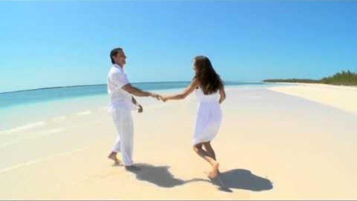 Влюбленная пара на море фото (1)