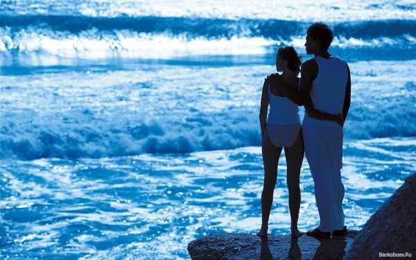 Влюбленная пара на море фото (17)