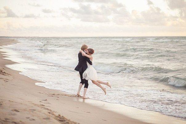 Влюбленная пара на море фото (19)