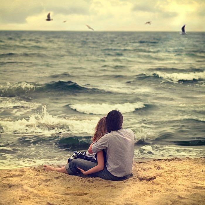 Влюбленная пара на море фото (7)