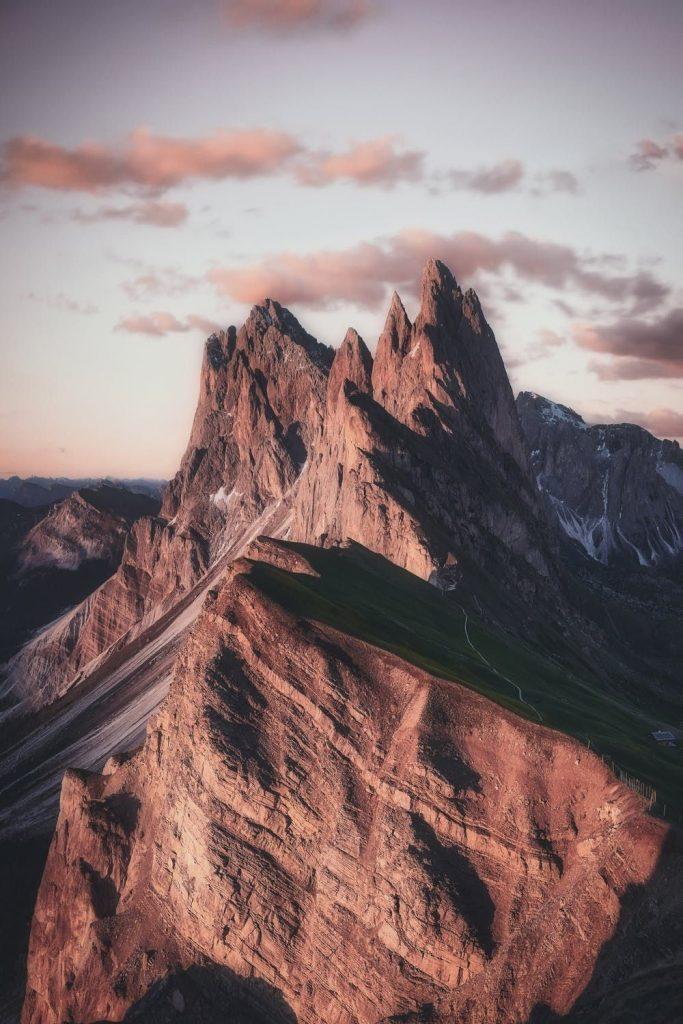 Красивые обои горы для заставки телефона - подборка (8)