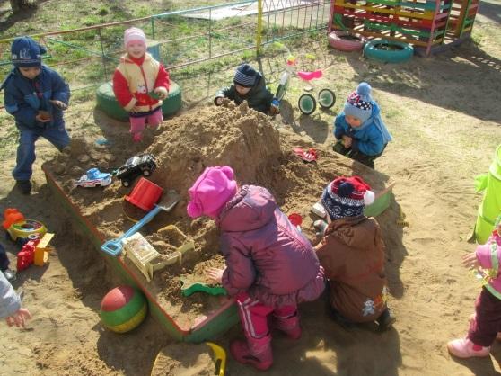 Прогулки в детском саду картинки (14)