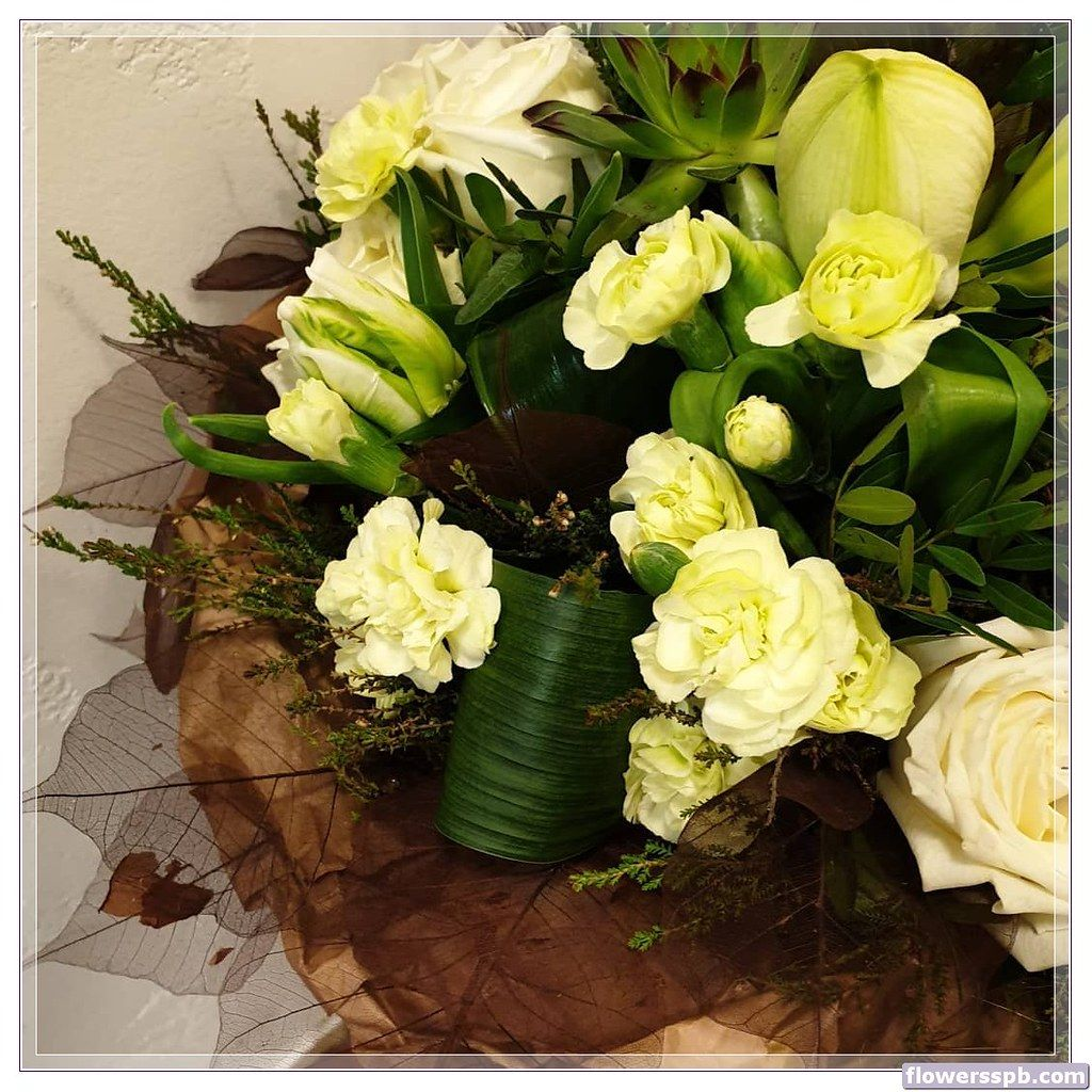 Современные букеты из живых цветов (12)