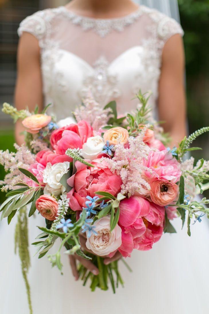 Современные букеты из живых цветов (16)