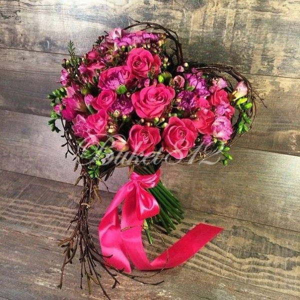 Современные букеты из живых цветов (21)
