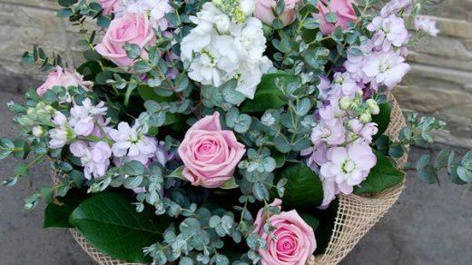 Современные букеты из живых цветов (3)