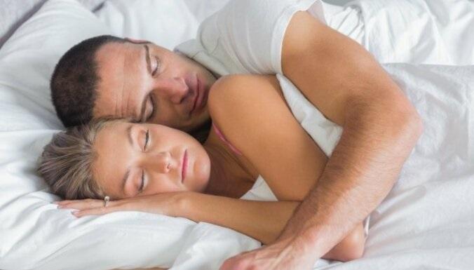 Удивительные фото с любимой в постели (20)