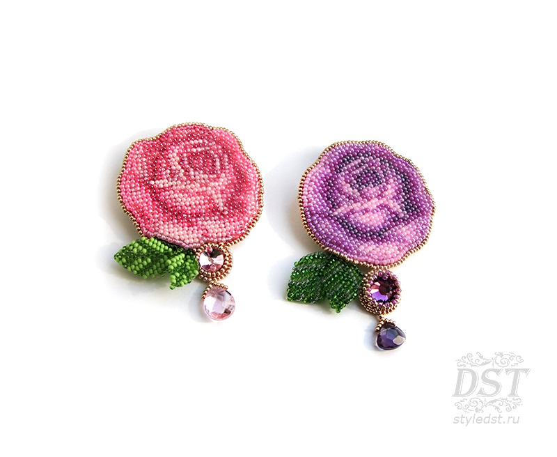 Брошь роза из бисера фото (1)