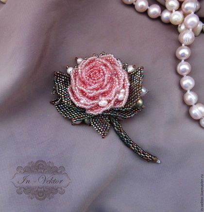 Брошь роза из бисера фото (13)