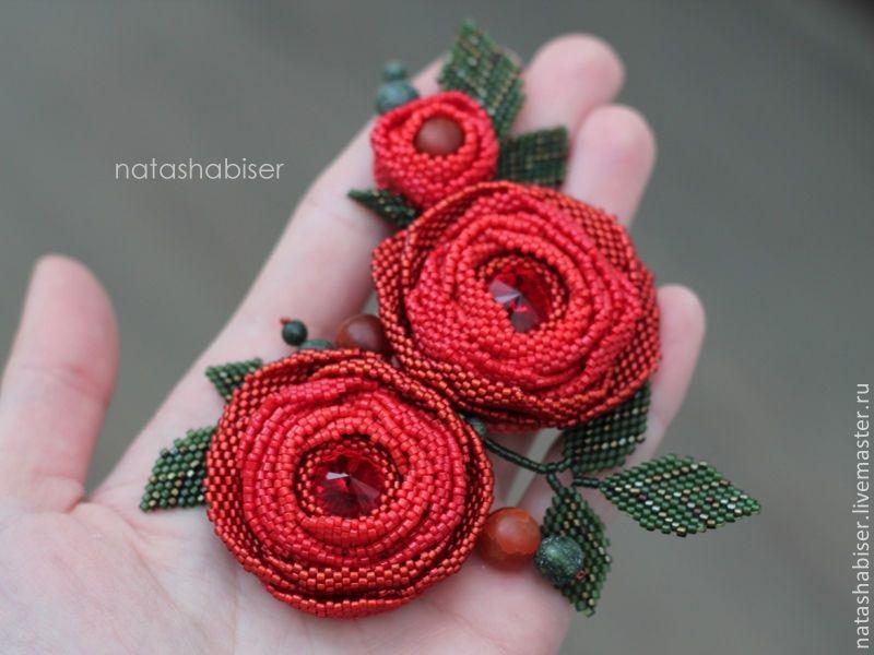 Брошь роза из бисера фото (2)