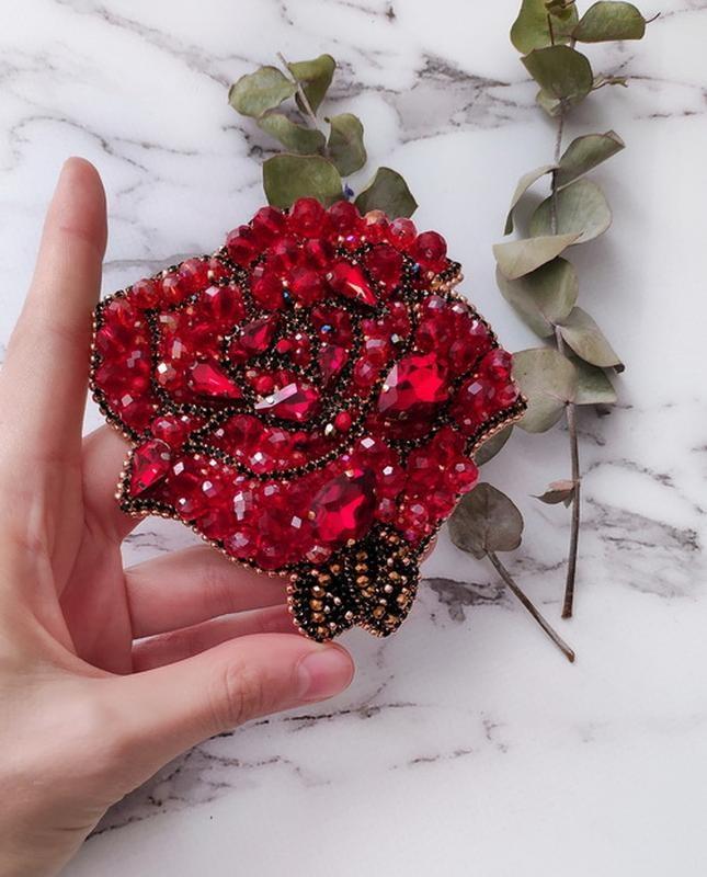 Брошь роза из бисера фото (20)
