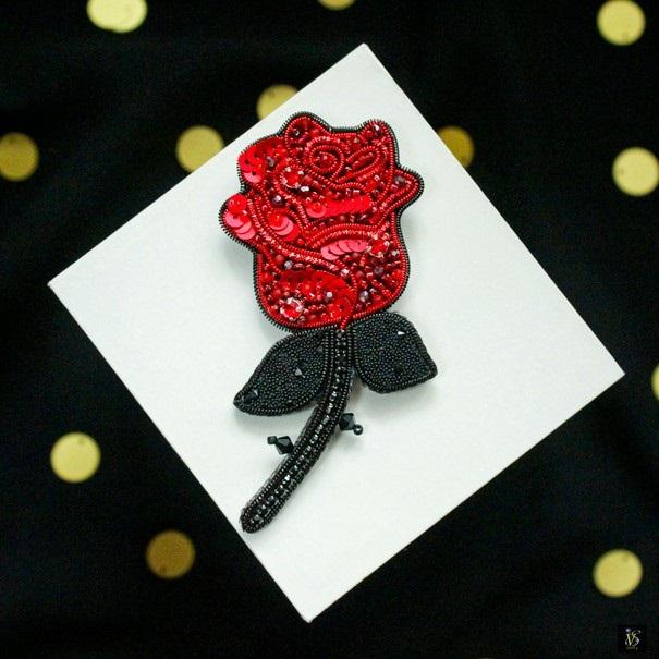 Брошь роза из бисера фото (23)