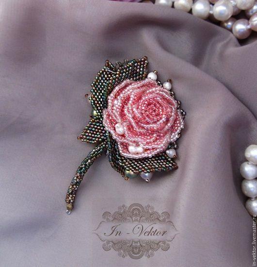 Брошь роза из бисера фото (5)